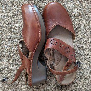 DANSKO Trista Brown Leather Mary Jane Clogs 40/10